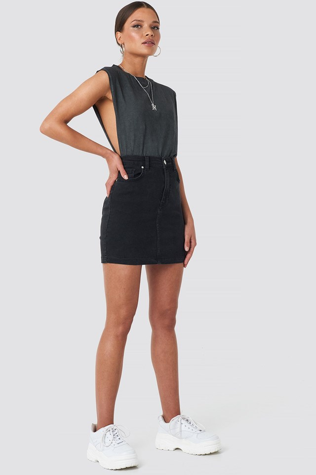 Cut Out Top Black Outfit