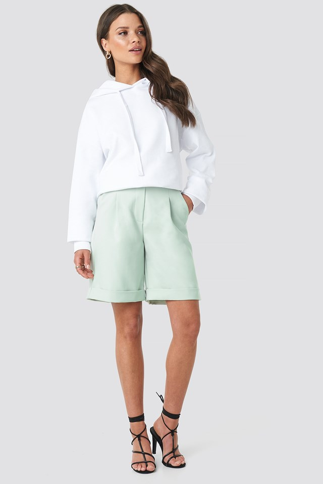 Oversized Hoodie White Outfit