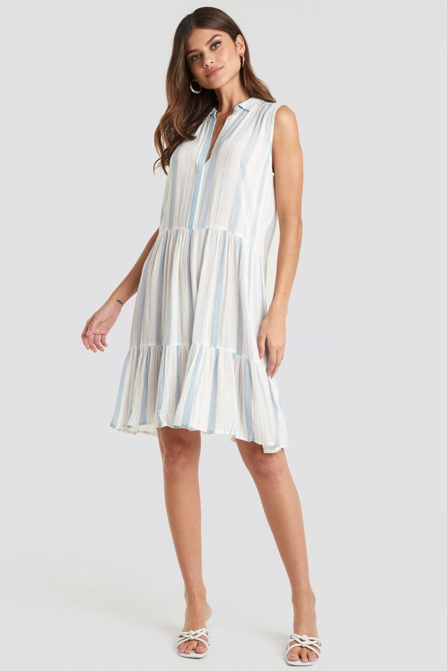 Iloss Dress White Outfit