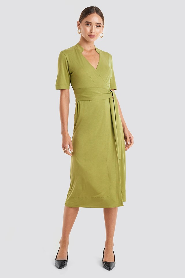 Wrap Jersey Midi Dress Green Outfit.