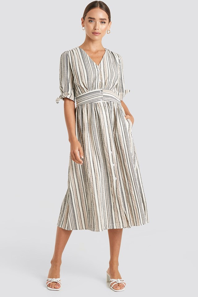 Short Sleeve Striped Midi Dress White Outfit.