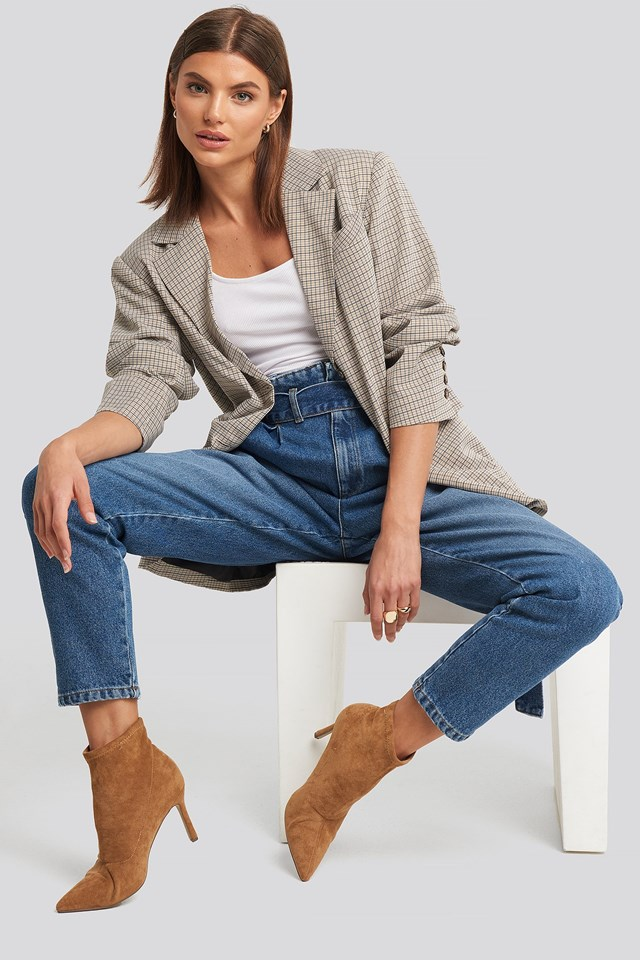 Paperbag Waist Jeans Blue Outfit.