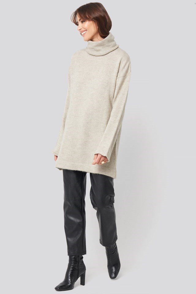 Oversized Polo Knitted Long Sweater Beige Outfit