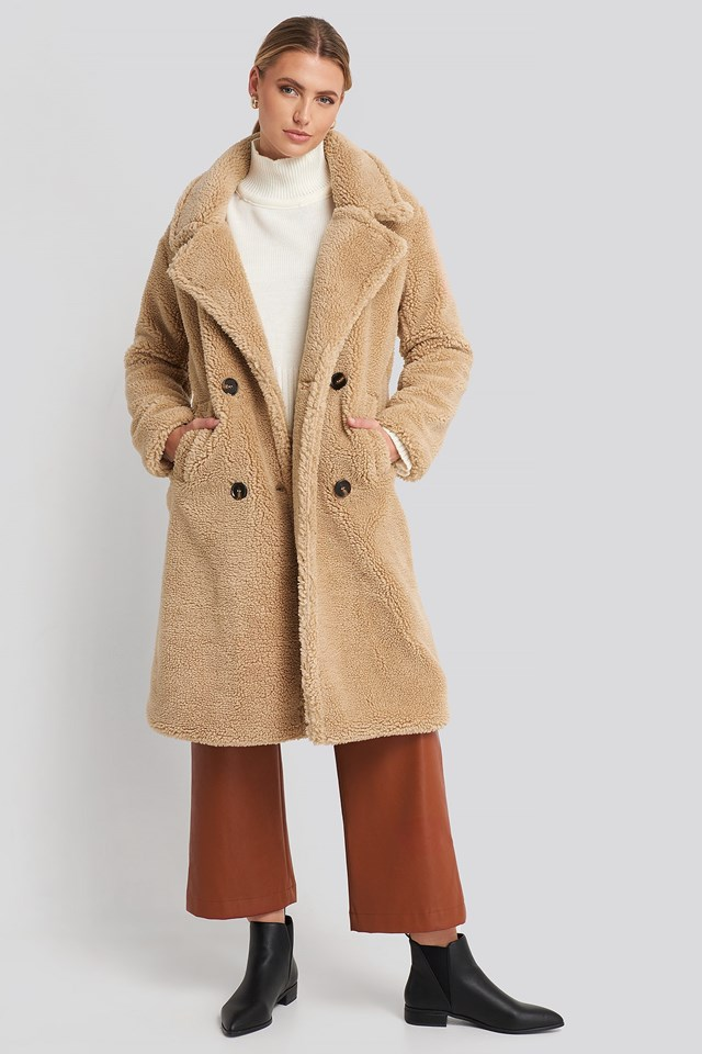 Long Teddy Coat Beige Outfit