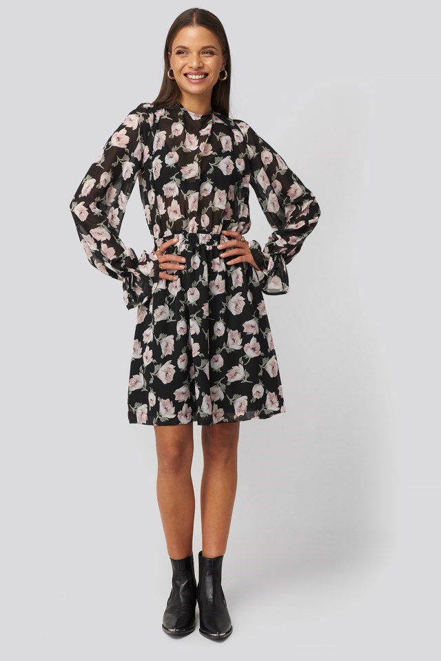 Open Back Flower Printed Dress Outfit.