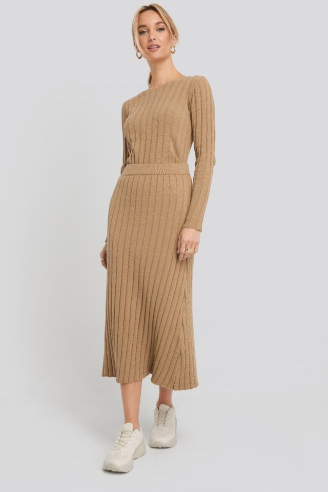 Recycled V- Shape Boat Neck Ribbed Sweater Beige Outfit