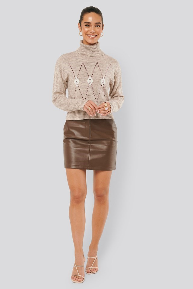 Argyle Knitted Sweater Outfit