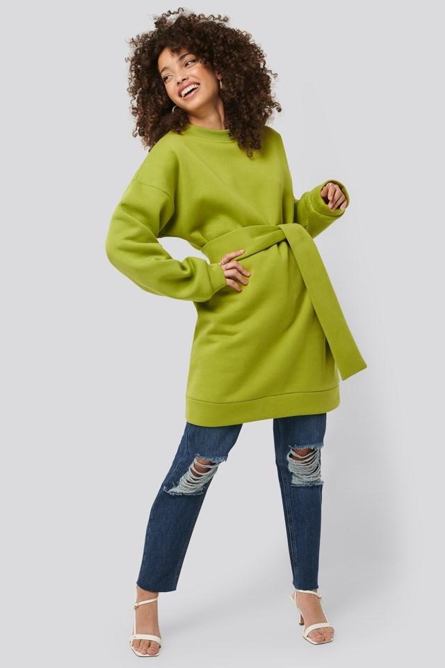 Oversized Waist Belt Sweater Outfit