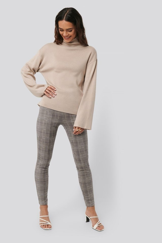 Fake Suede Checked Pants Outfit