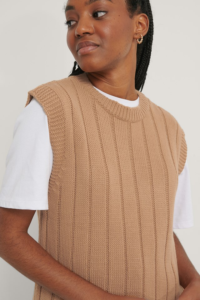 Carmen No Sleeves Sweater Camel