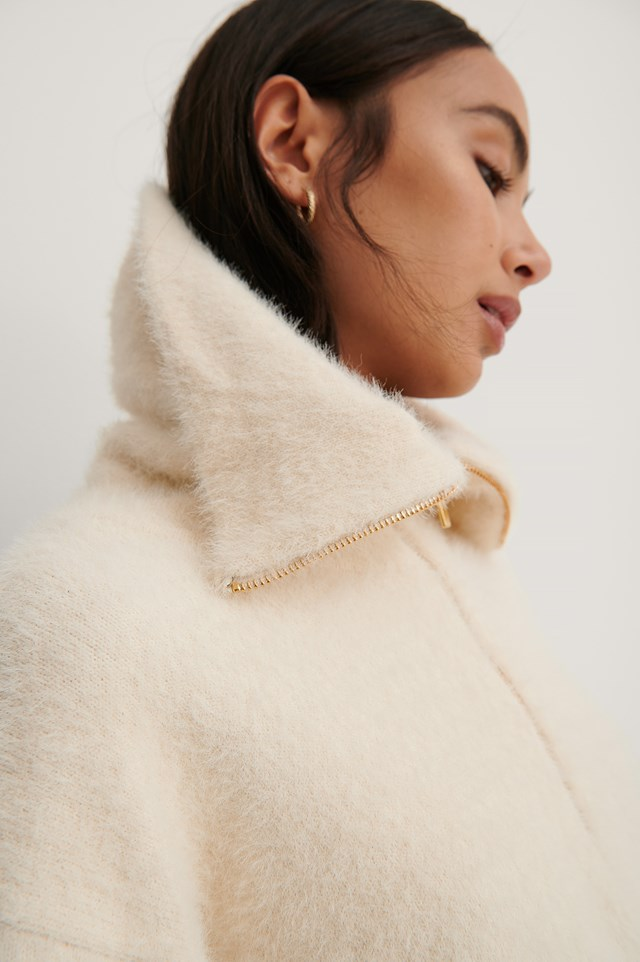Wide Collar Knitted Sweater Off White